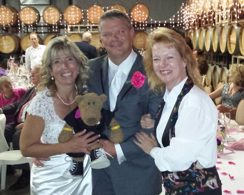 Couple with San Diego DJ Party Pam at winery