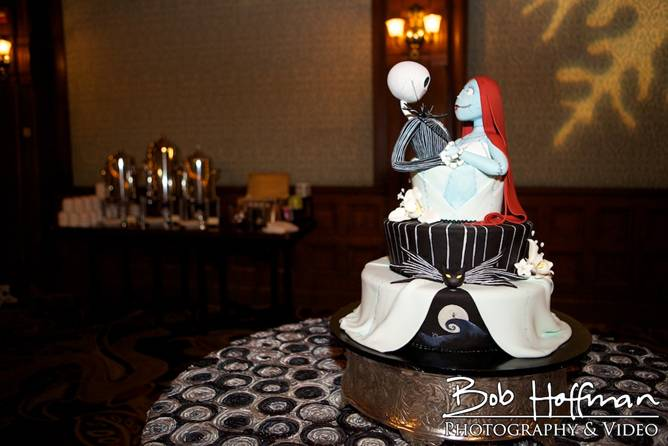 Stunning Nightmare Before Christmas wedding cake