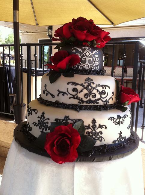 Damask black and white wedding cake