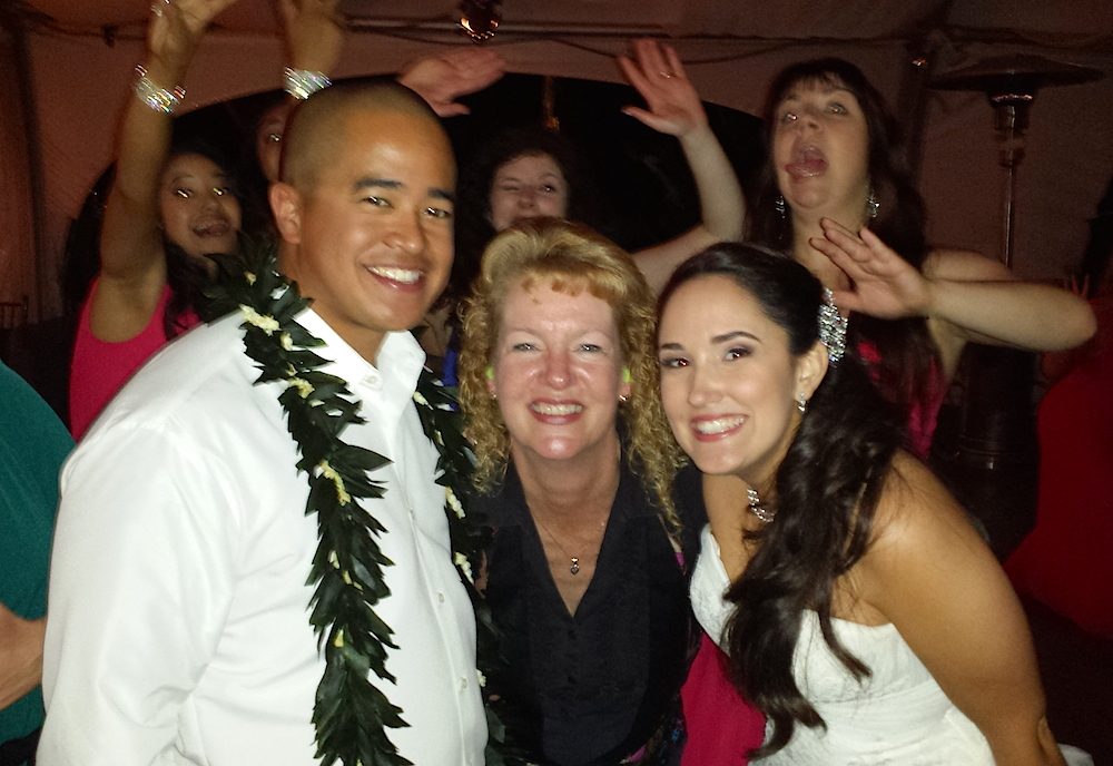 San Diego DJ Party Pam with happy wedding guests